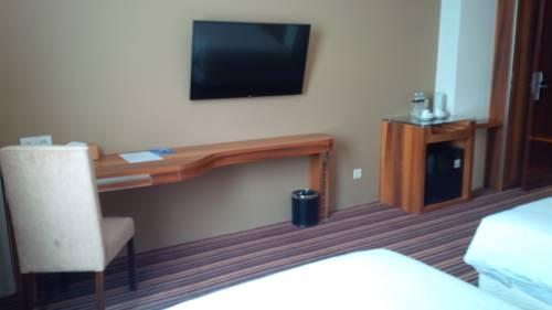 Royal Asnof Hotel Pekanbaru Prices Photos Reviews Address Indonesia Room