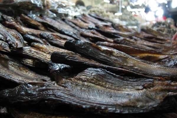 Macam Makanan Khas Pekanbaru Ikan Selais Asap View Tugu Tiga