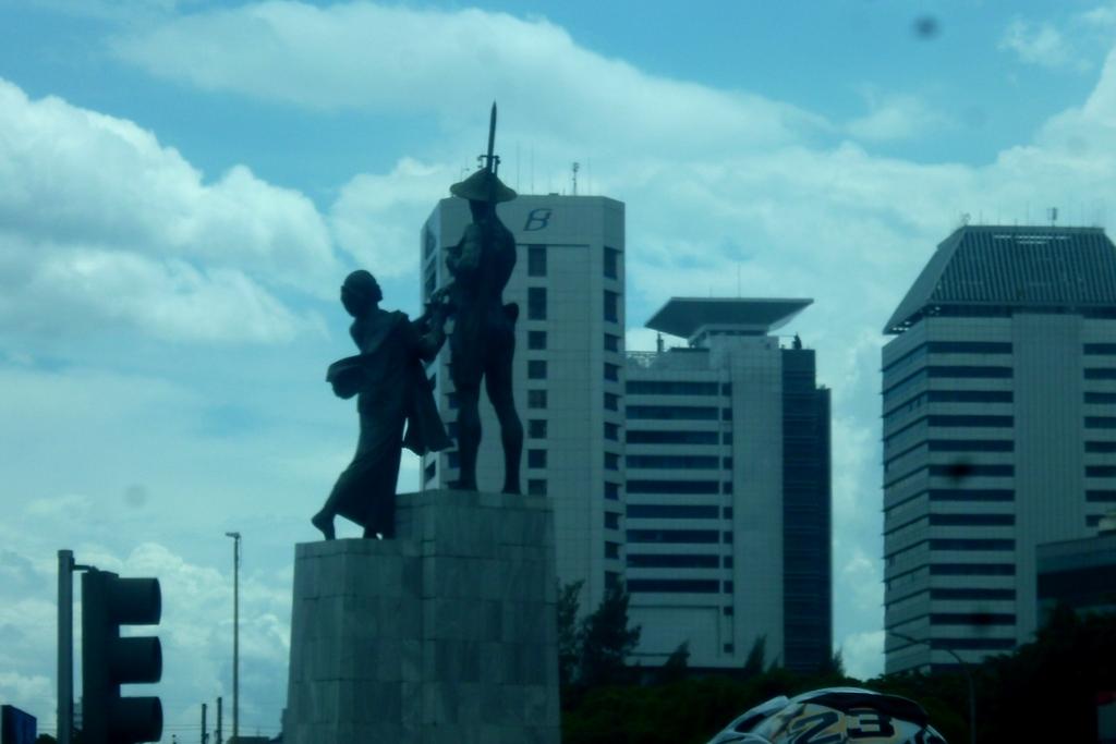 Monument Statue Indonesia Skyscrapercity Tugu Tani Jakpus Ikan Selais Tiga