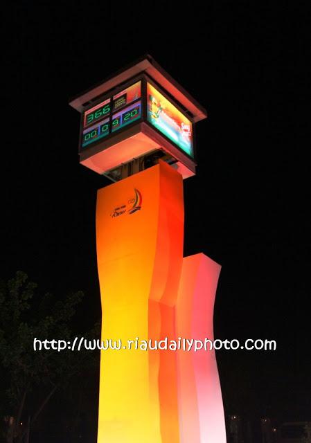 Riau Daily Photo Monument Tugu Countdown Berlokasi Jalan Cut Nyak