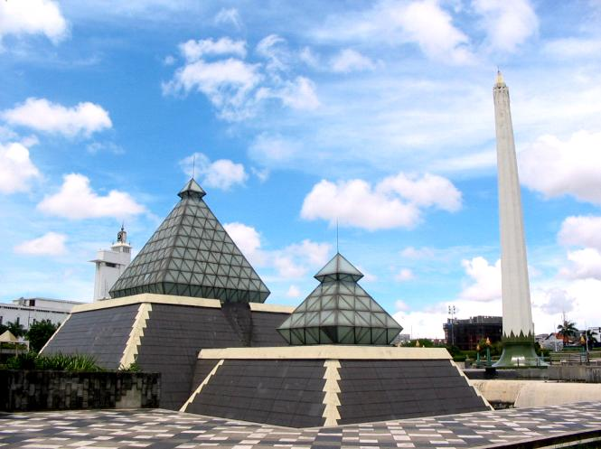 10 Gambar Tugu Pahlawan Surabaya Sejarah Monumen Revolusi Letak Museum