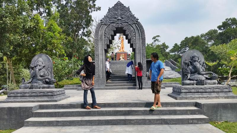 Destinasi Wisata Alam Mayang Pekanbaru Wisatariau Tugu Pahlawan Kerja Kota