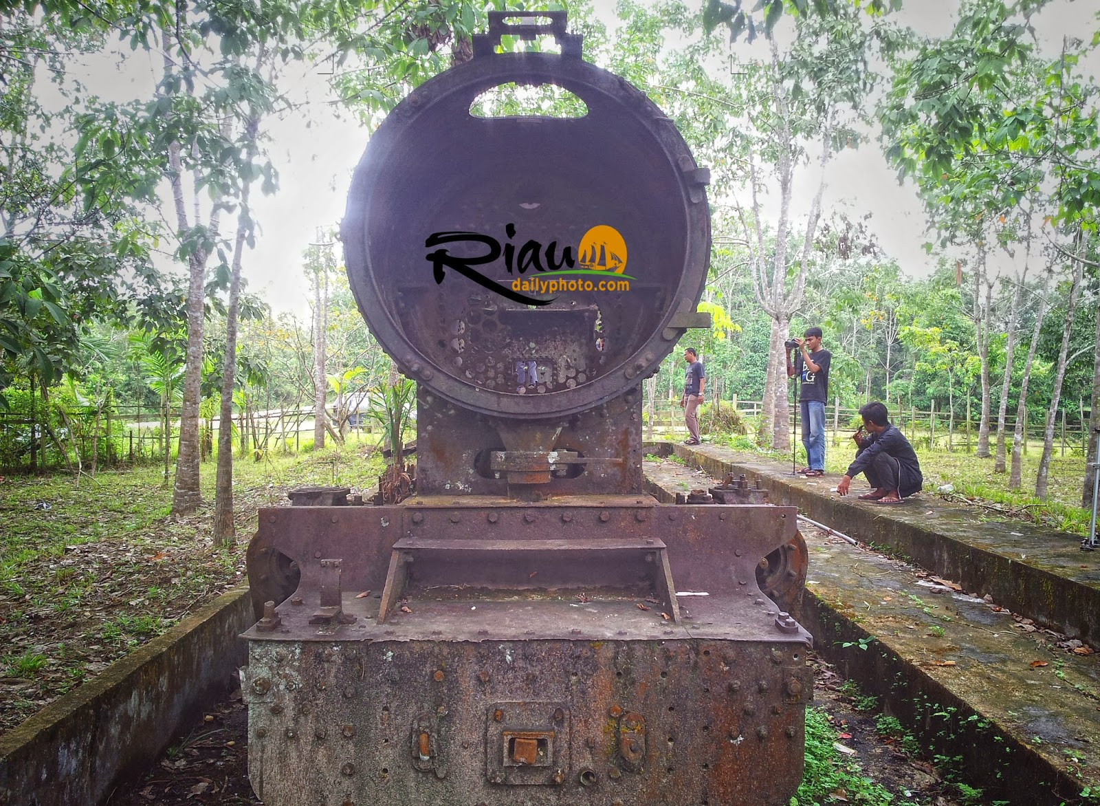 Menelusuri Jejak Kereta Api Riau Daily Photo Desa Lipat Kain