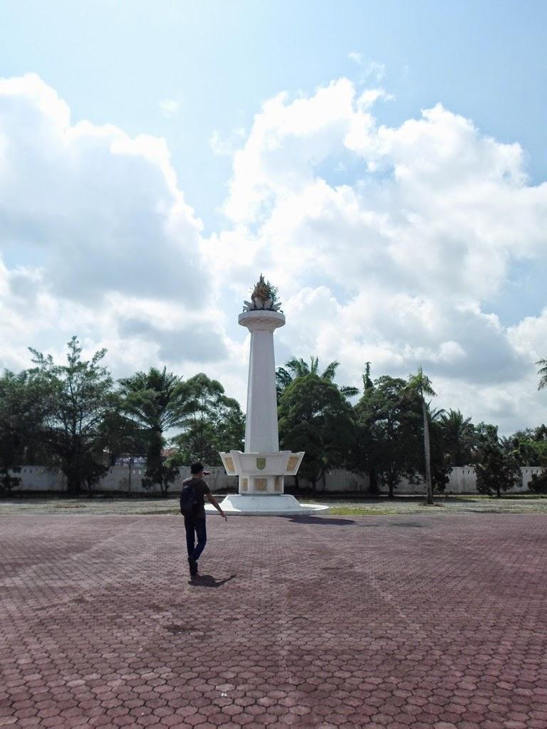Taman Makan Pahlawan Riau Pekanbaru Kusuma Dharma Finest Moment Mendekati