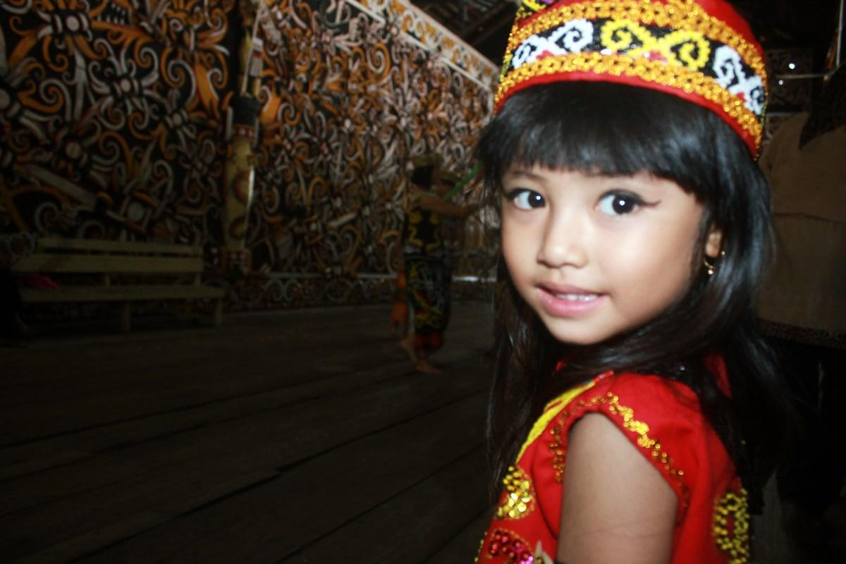 Arachely Serena Pramudya Desa Dayak Pampang Samarinda Budaya Suku 3y7m