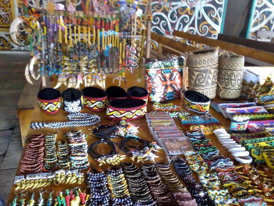 Belajar Menari Bersama Suku Dayak Desa Pampang Kaltim Budaya Kota