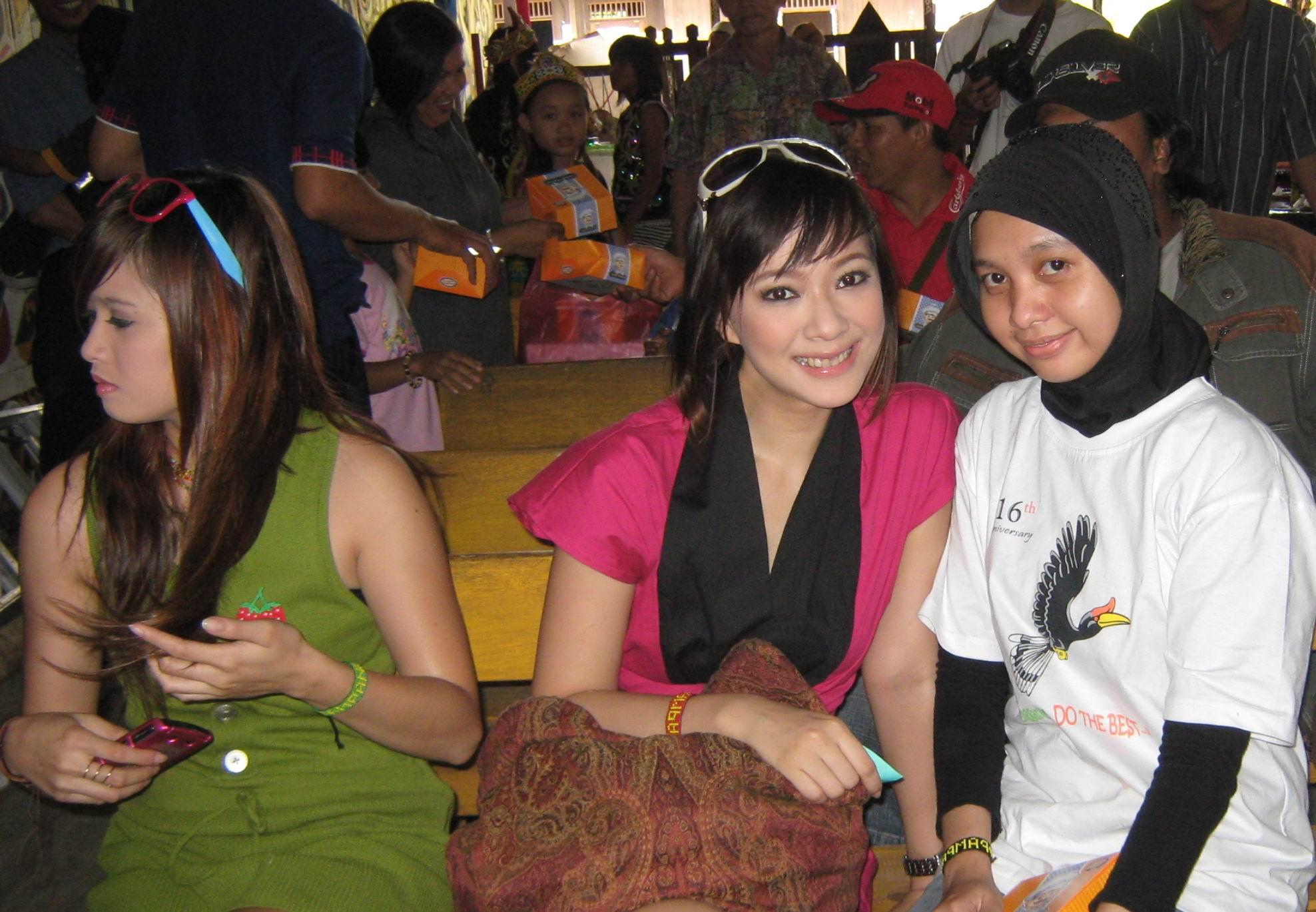 Etnik Pampang Suni Aso Joanita Desa Budaya Kota Samarinda