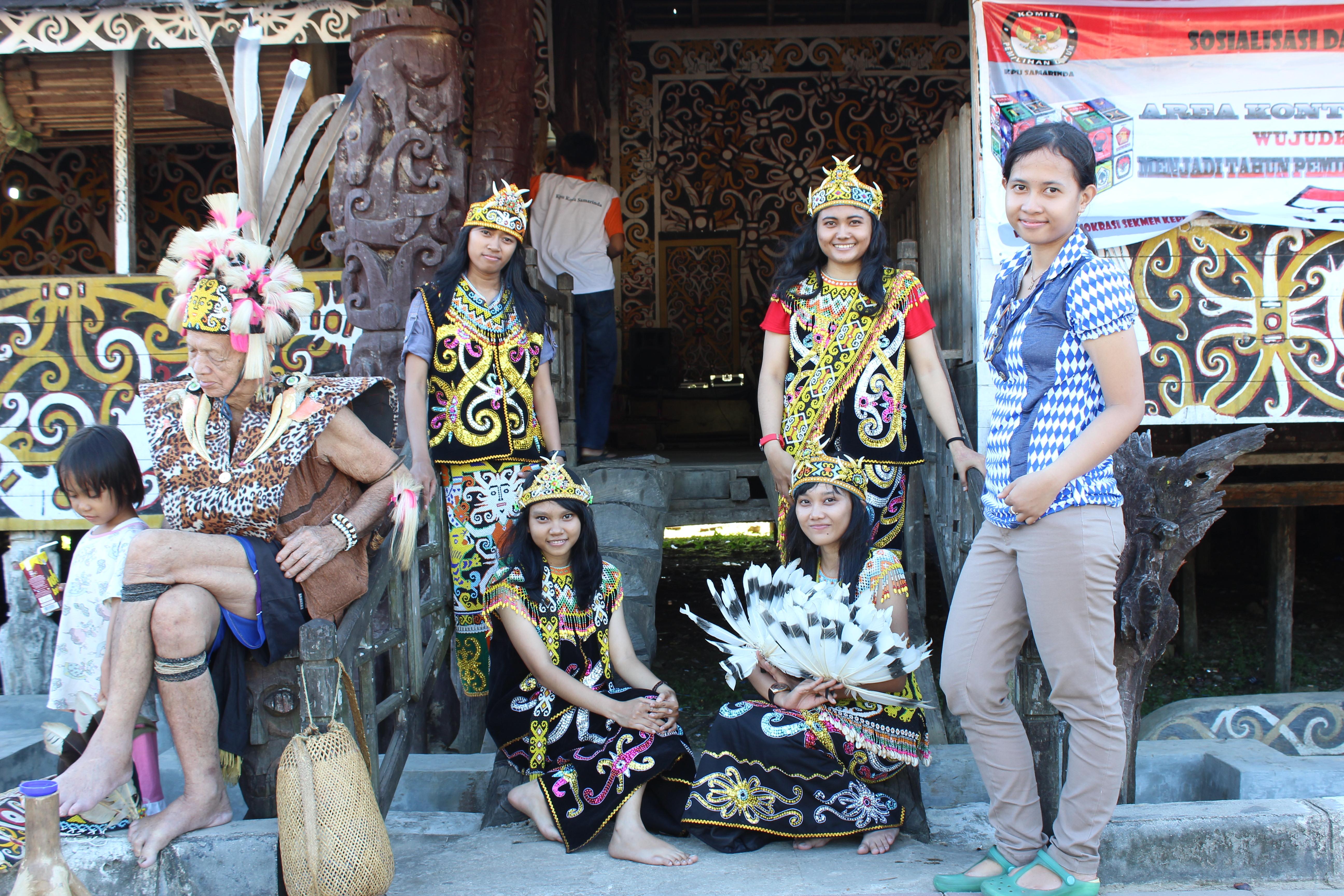 Journey Samarinda Kalimantan Timur Light Joanna Masyarakat Desa Pampang Menjua