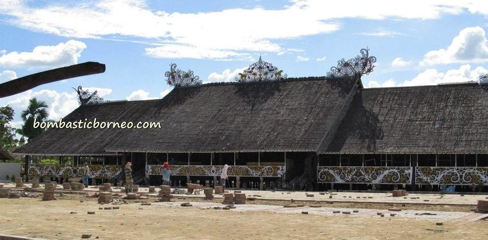 Lamin Adat Desa Pampang Samarinda Kalimantan Timur Bombastic Borneo Ancient