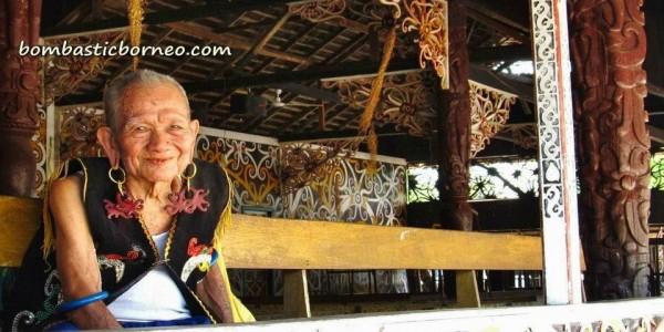 Lamin Adat Desa Pampang Samarinda Kalimantan Timur Bombastic Borneo Budaya