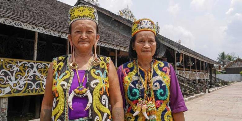 Mengunjungi Desa Dayak Pampang Samarinda Kompas Budaya Kota