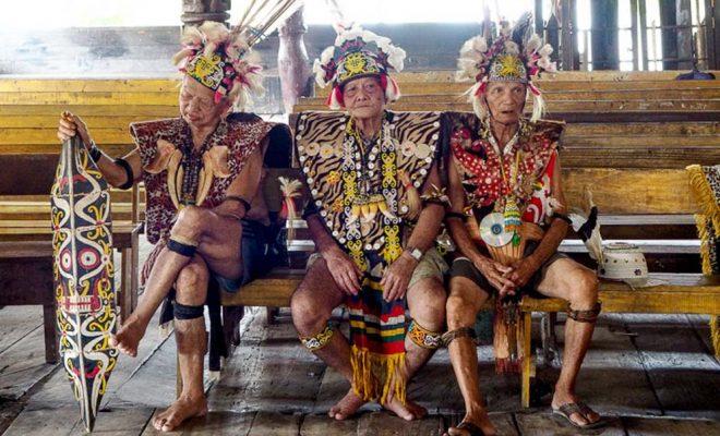 Menikmati Indahnya Etnik Lokal Kampung Budaya Pampang Kalimantan Timur Desa