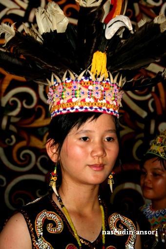 Pesona Budaya Dayak Kenyah Pampang Nasrudin Ansori Matahari Pagi Bersinar