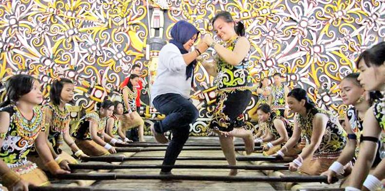 Pesona Indonesia Desa Budaya Pampang Cinta Negeri Kota Samarinda