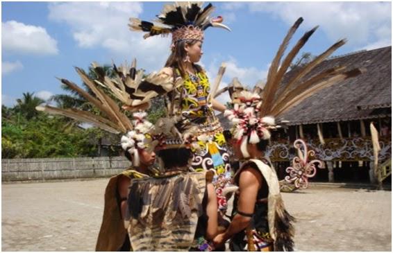 Upacara Pelas Pampang Informasi Wisata Kalimantan Kuliner Kegiatan Budaya Dilakukan