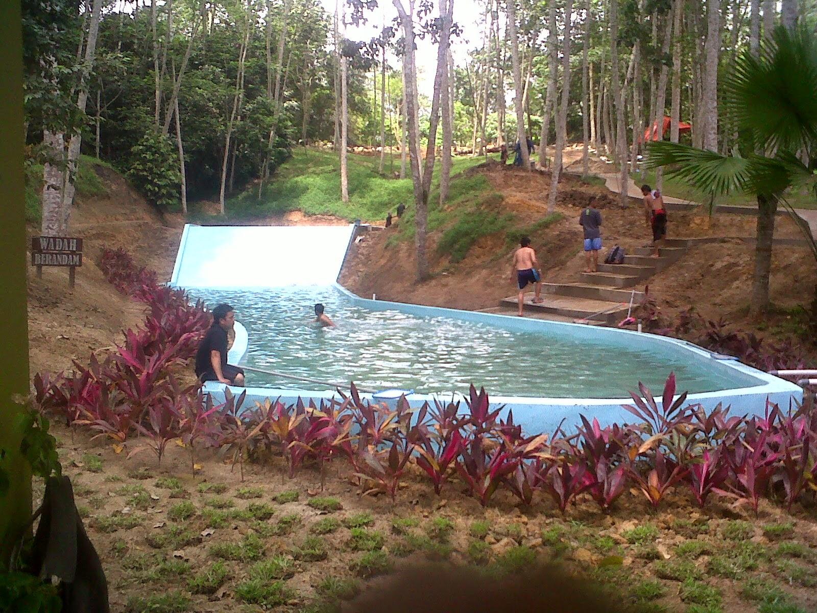 Bermain Air Jungle Water World Samarinda Kolam Barandam Dunia Kota
