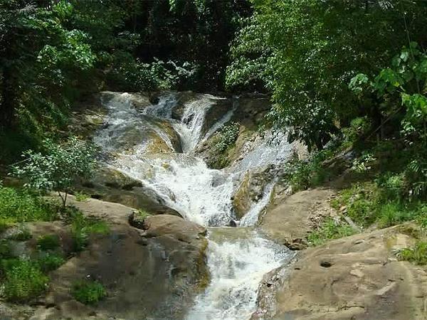 Experiences Swiss Belhotel Borneo Samarinda Pinang Seribu Waterfall Dunia Air