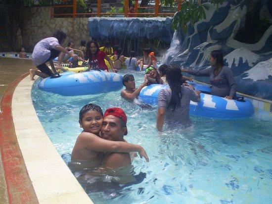 Kolam Arus Picture Jungle Waterpark Bogor Tripadvisor Dunia Air Kota