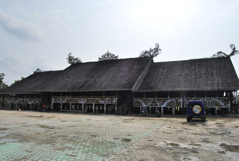 10 Tempat Wisata Samarinda Wajib Dikunjungi Desa Budaya Pampang Kampung
