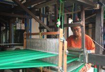 Belajar Kearifan Lokal Kampung Tenun Samarinda Radar Malang Online Kota