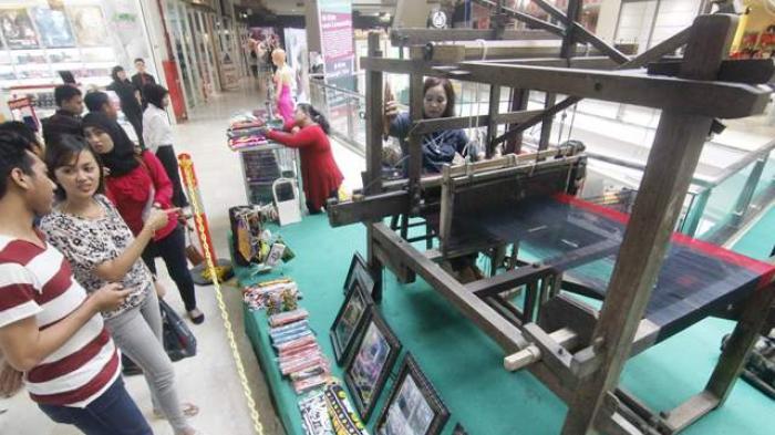 Kampung Tenun Samarinda Perlu Berbenah Tribun Kaltim Kota