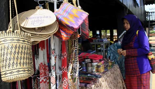 Perkenalkan Kembali Kampung Tenun Kaltim Post Dongkrak Pariwisata Berbagai Anyaman