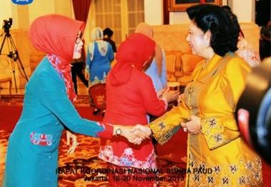 Sarung Samarinda Primadona Promosikan Kampung Tenun Berita Kaltara Bupati Kabupaten