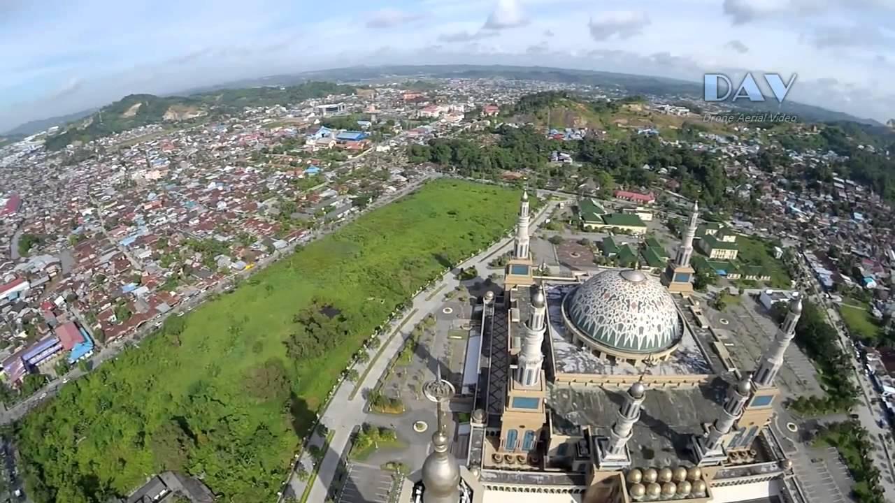 Aerial Video Masjid Baitul Muttaqien Kompleks Islamic Center Samarinda Kalimantan