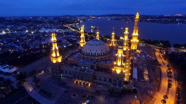 Eksotika Islamic Kaltim Post Kemegahan Masjid Baitul Muttaqin Kompleks Center