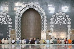 Masjid Islamic Center Baitul Muttaqien Samarinda Megah Kebersamaan Upaya Menghadapi