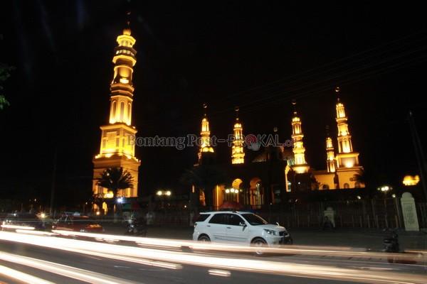 Terinspirasi Madinah Terbesar Kedua Indonesia Bontang Post Menawan Keindahan Masjid