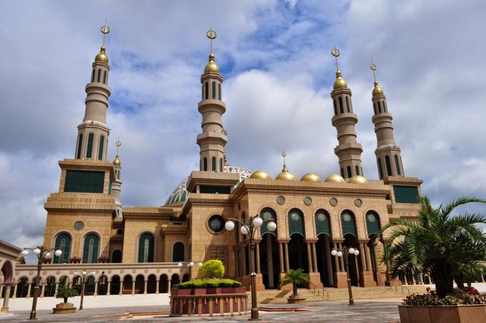 Agustus 2014 Kota Tepian Pariwisata Masjid Islamic Center Samarinda Patung