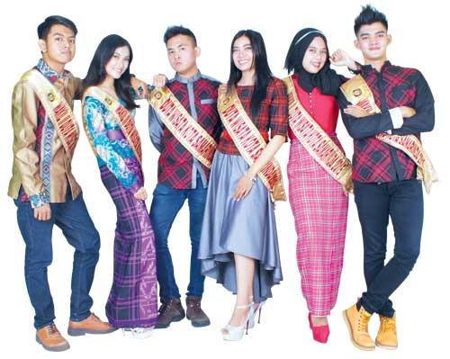 Duta Wisata Samarinda 2015 Kaltim Post Patung Pesut Tepian Kota