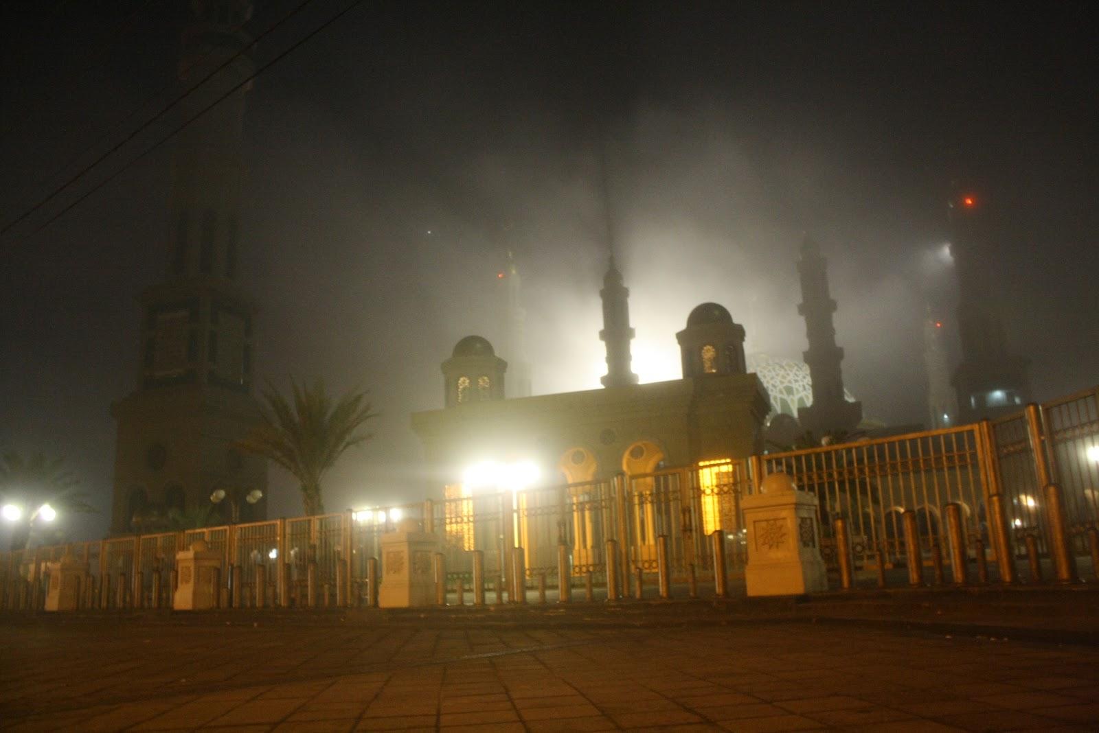 Juni 2012 Sihitampekat Islamic Center Samarinda 2 Patung Pesut Tepian
