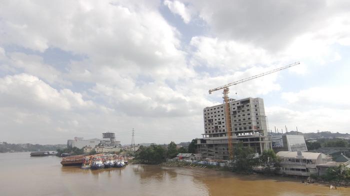 Pemkot Fokus Jual Sarung Samarinda Sungai Mahakam Tribun Kaltim Patung