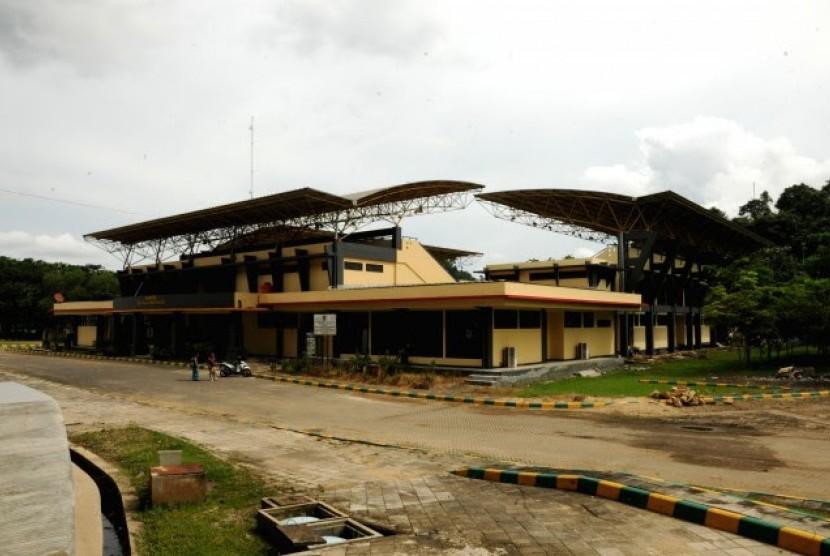 Dpr Sayangkan Stadion Utama Bekas Pon 2008 Tak Terawat Republika