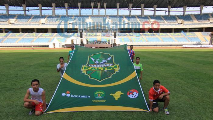 Foto Gladi Persiapan Pembukaan Turnamen Piala Gubernur Kaltim 2016 Atlit