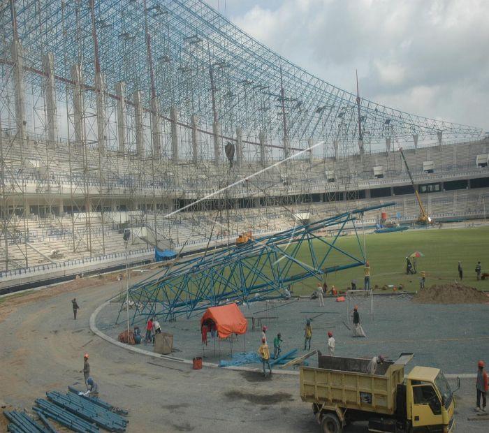 Stadion Utama Antara Foto Sejumlah Pekerja Menyelesaikan Pembangunan Palaran Digunakan