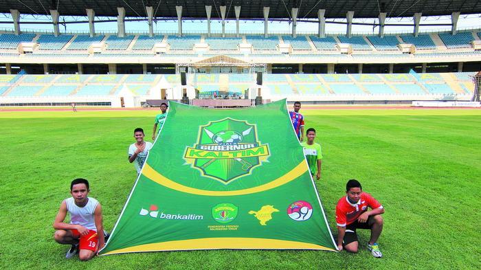 Water Break Skor Kacamata Stadion Palaran Tribun Kaltim Utama Kota