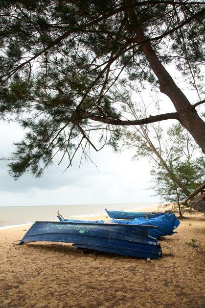 Day Scene Pantai Kura Beach Singkawang Kalimantan Mapio Net Kota