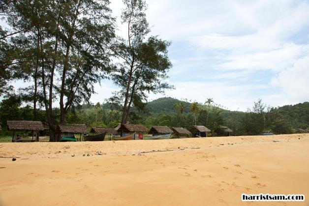 Imam Cahyo Kura Beach Salah Satu Wisata Kota Singkawang Letaknya