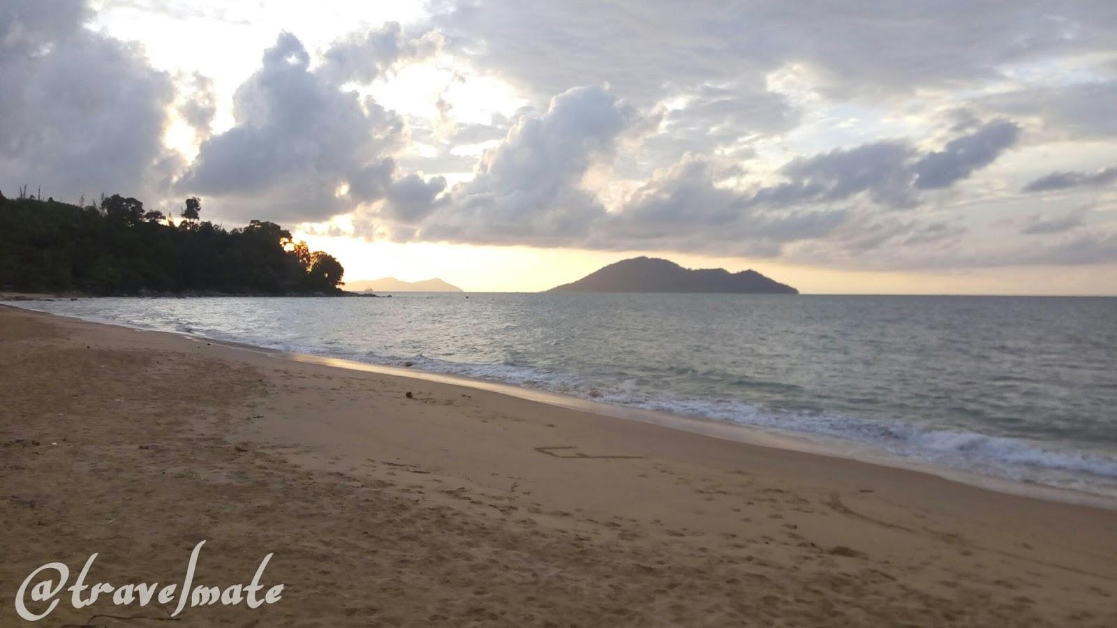 Indahnya Pantai Kura Sungai Raya Kepulauan Bengkayang Kota Singkawang