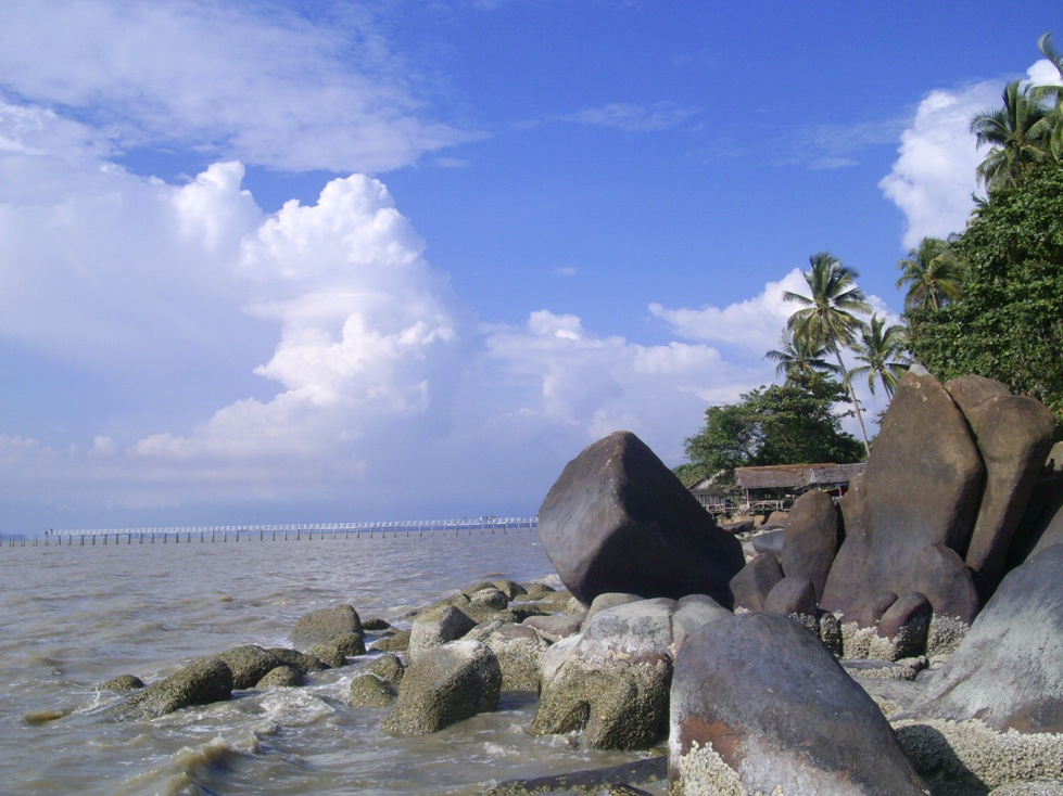 Inilah 10 Tempat Wisata Favorit Kalimantan Page 4 Pantai Kijing