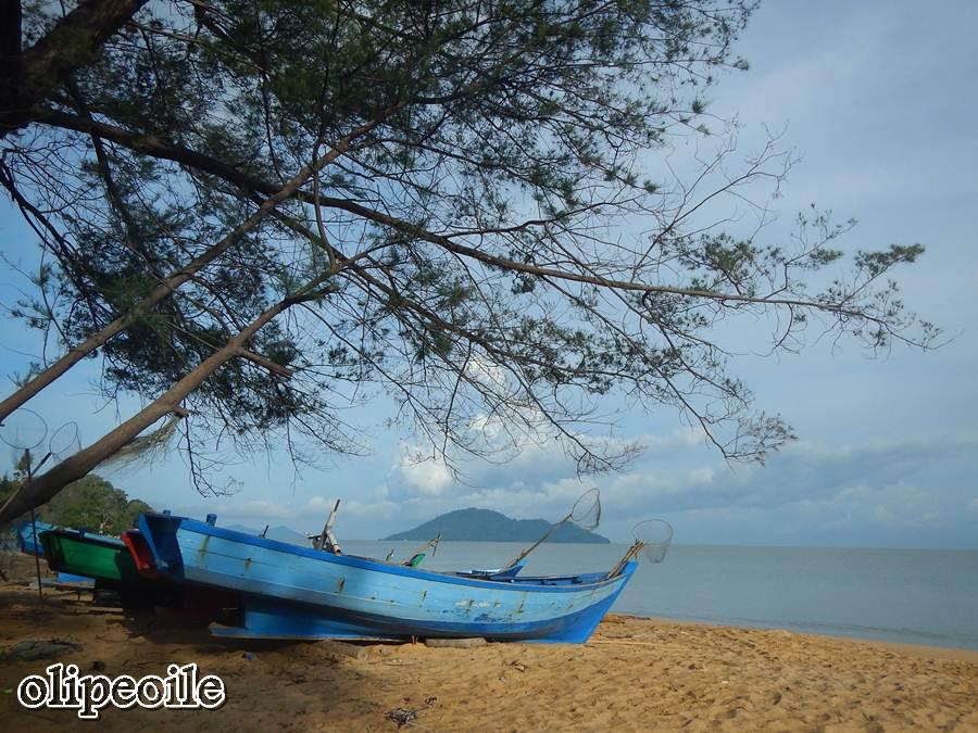 Pantai Pasir Panjang Jejak Olipe Perahu Nelayan Kura Kota Singkawang
