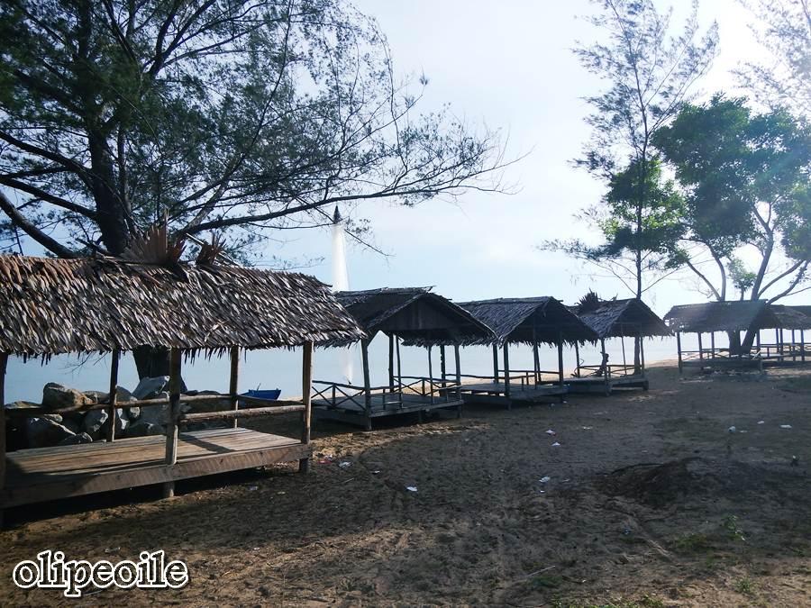 Pantai Pasir Panjang Jejak Olipe Tempat Istirahat Pengunjung Kura Kota