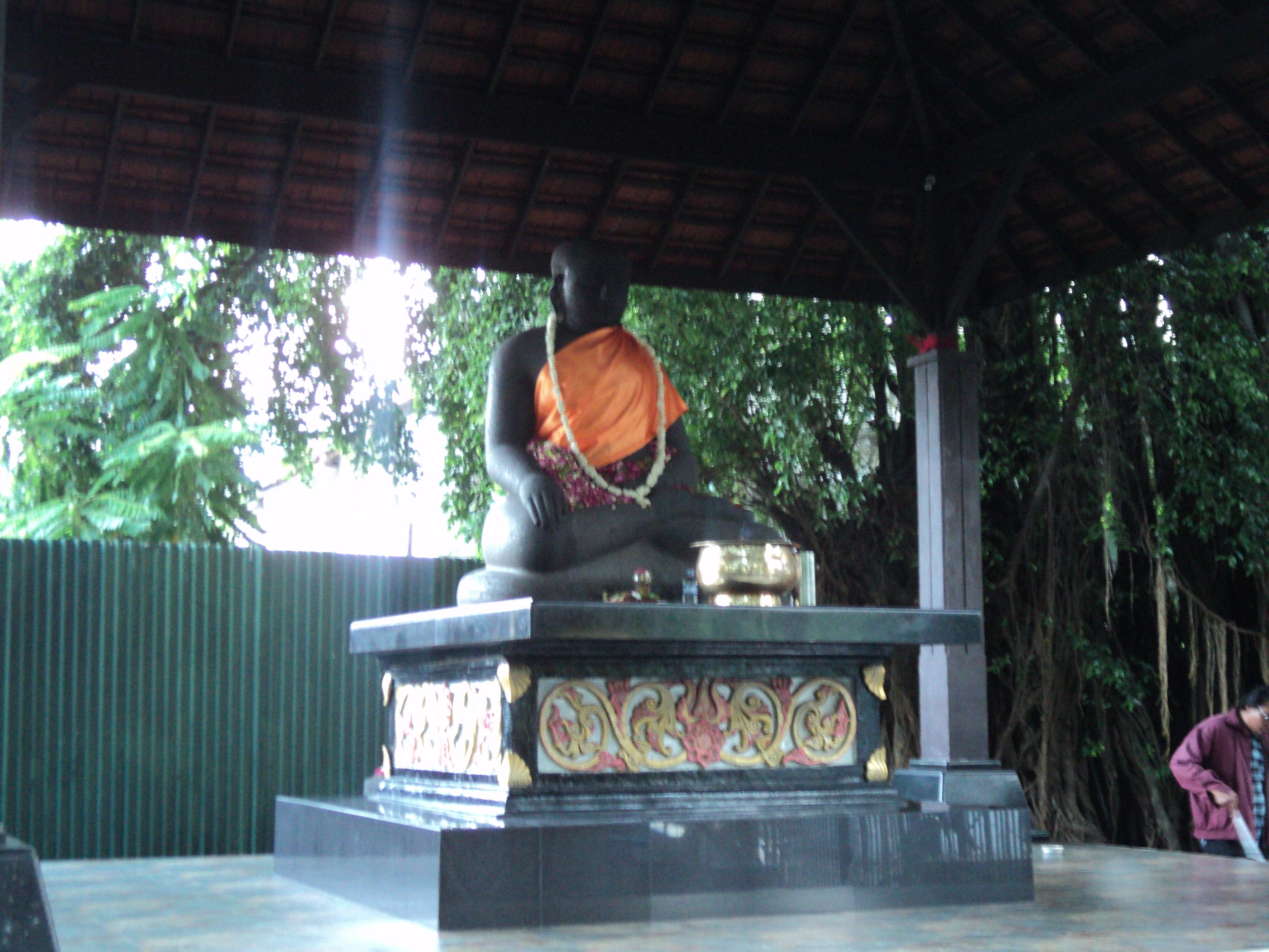 Arca Joko Dolog Monumen Surabaya Kota