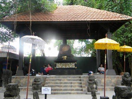 Warta Jatim Joko Dolog Merana Taman Apsari Surabaya Situs Budaya