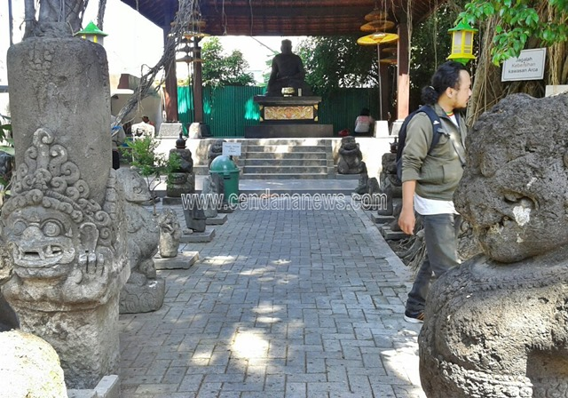 Wisata Sejarah Arca Joko Dolog Surabaya Cendana News Kota