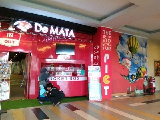 Jalan De Mata Trick Eye Wisata Museum 3d Surabaya Kota