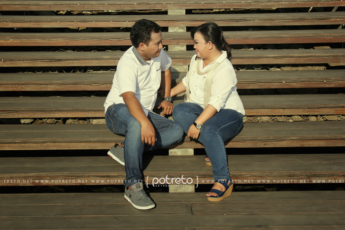 Prewed Food Juction Surabayapotreto Photography Potreto Pre Wedding Casual Outdoor